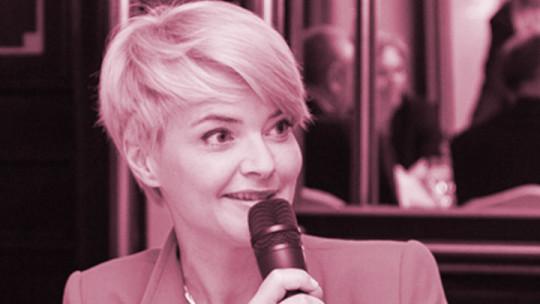 CEEQA presenter Monika Zamachowska shoots for the 8-ball