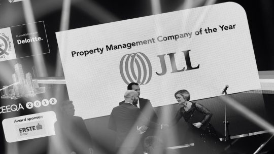 "JLL fights back but CBRE retains ""agent crown jewels"""